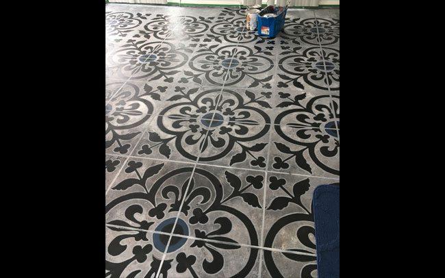 peinture-decorative-plancher-beton-peint-1